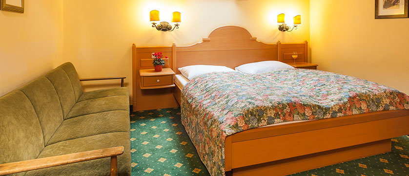 Landhotel St. Georg, Zell am See, Austria - austrian twin room.jpg